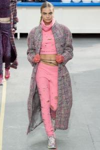 look 1 chanel abrigo largo