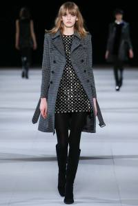 look 27 saint laurent abrigo