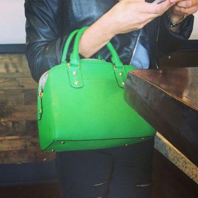estilo tanchic cartera verde starbucks